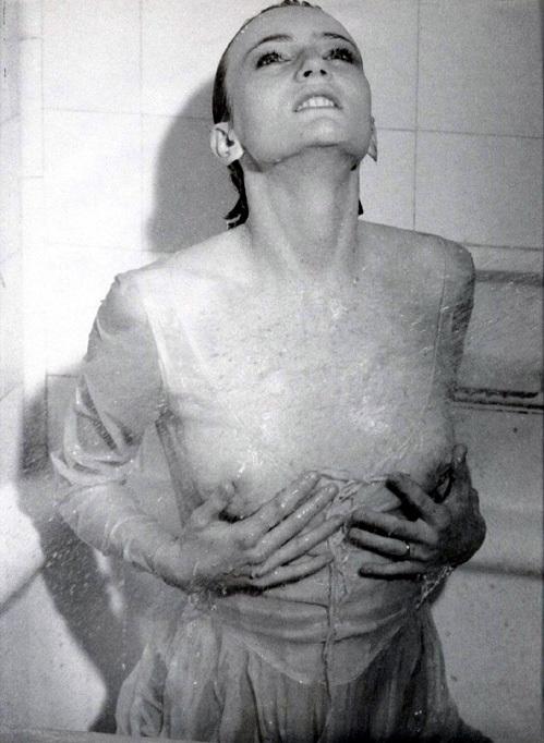 голые сопливые модельки фото